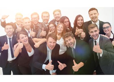 Equipe de travail heureuse